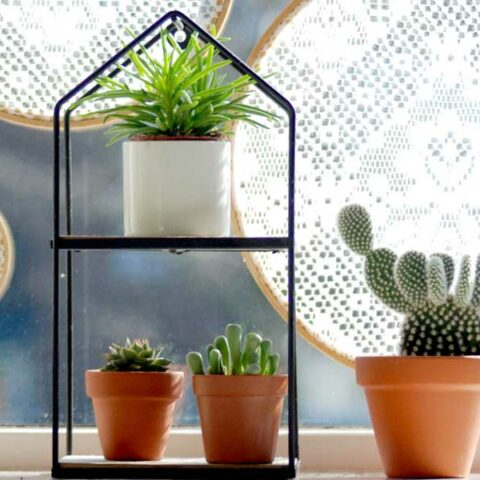 How to make Embroidery Hoop Window Sun Diffusers